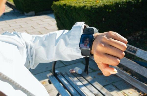 К«умным» часам Apple Watch добавили камеру длявидеозвонков