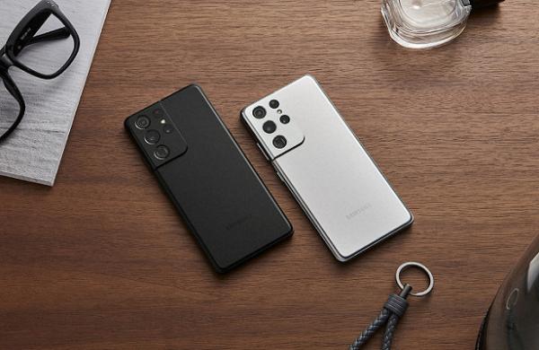 «Дизайн действительно выделяет Samsung нафоне аналогов». Представлен новый флагман Galaxy S21
