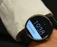 Motorola выпустит похожие наApple Watch «умные» часы в2021 году