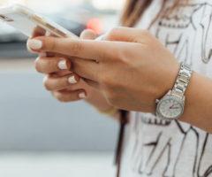 Смартфоны утрачивают популярность вкачестве подарка на8марта
