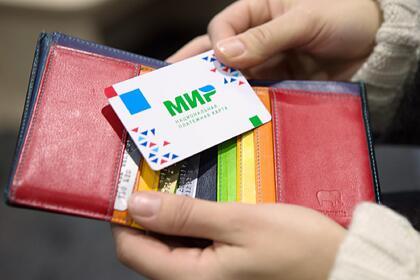 Белорусские магазины ибанки обязали принимать карты «Мир»