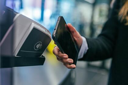 Россиян предупредили оновой схеме мошенников через Apple иGoogle Pay