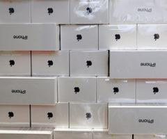 На Украине нашли крупную партию замаскированных под мусор контрабандных iPhone